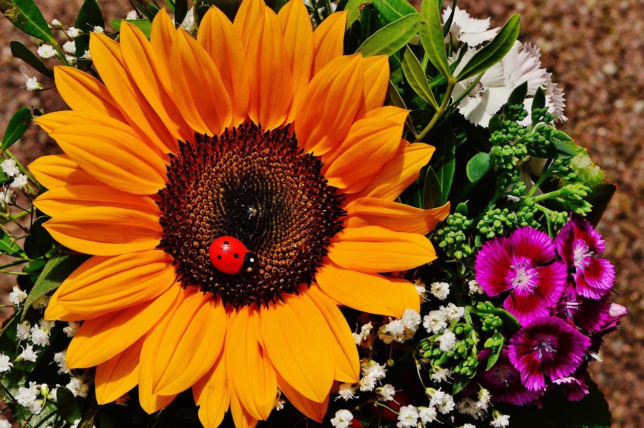 bouquet-1517415_1280